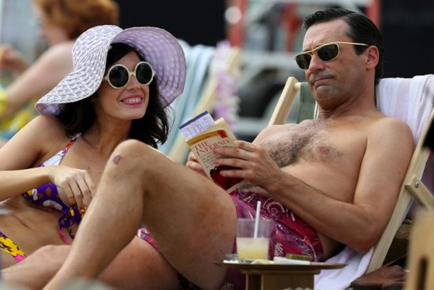 mad-men-hawaii-beach-megan-don-draper-jessica-pare-jon-hamm-